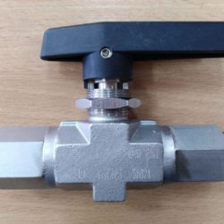 "Two-way ball valve 1/2"" NPT"
