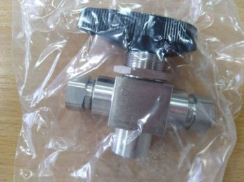 Three-way ball valve 1/4 ""